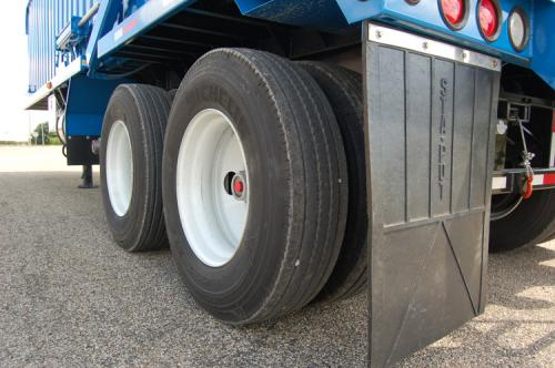 wheels on onken recycling container